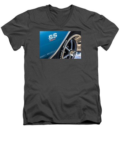 Chevelle Ss 454 Badge Men's V-Neck T-Shirt