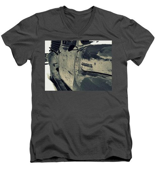 Arroyo Seco Chevy In Silver Men's V-Neck T-Shirt