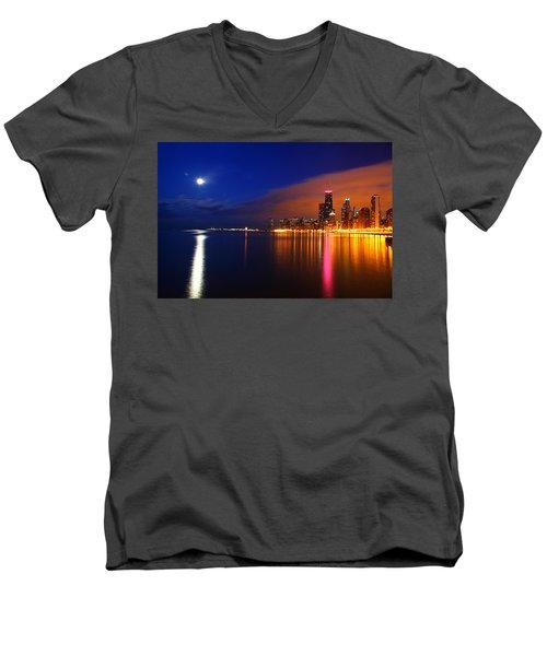 Chicago Skyline Moonlight Men's V-Neck T-Shirt