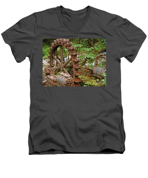 Chilkoot Men's V-Neck T-Shirt