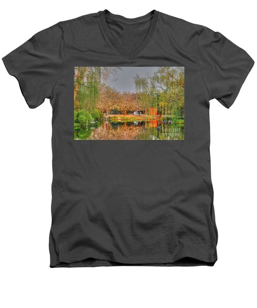 Chineese Garden Men's V-Neck T-Shirt