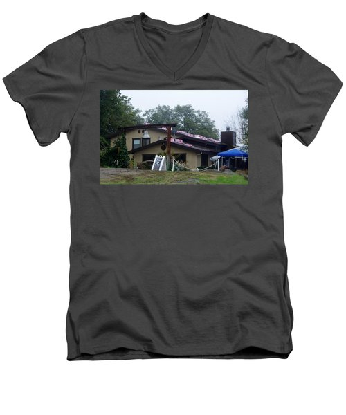 Christmas Lions Tigers And Bears House Men's V-Neck T-Shirt