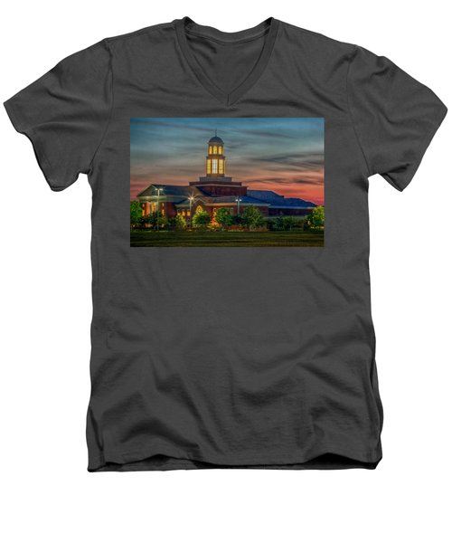 Christopher Newport University Trible Library At Sunset Men's V-Neck T-Shirt