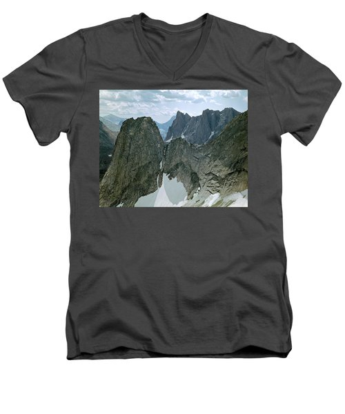 209615-cirque Of Towers, Wind Rivers, Wy Men's V-Neck T-Shirt