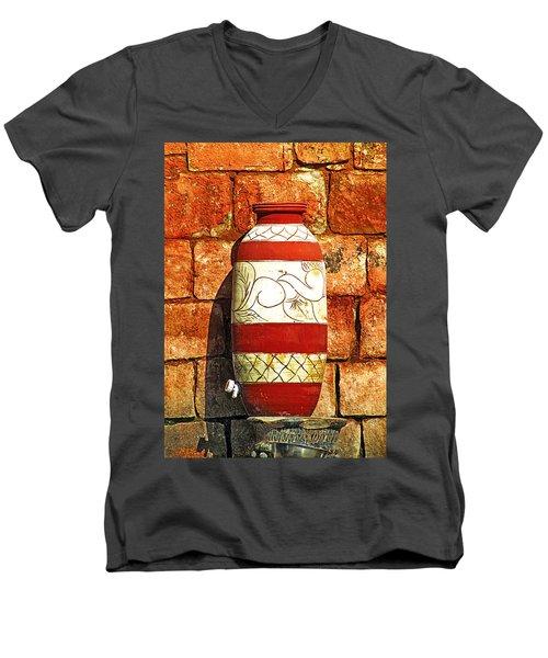 Clay Art Men's V-Neck T-Shirt