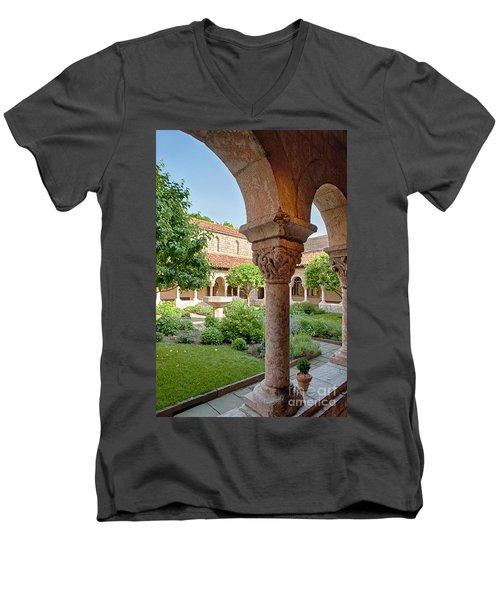 Cloisters Courtyard Men's V-Neck T-Shirt