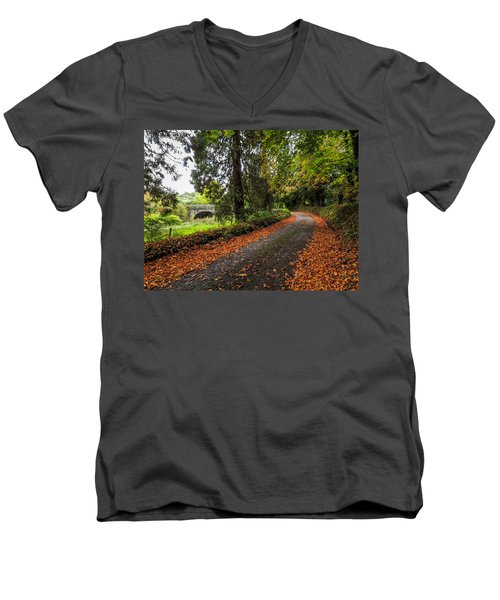 Clondegad Country Road Men's V-Neck T-Shirt