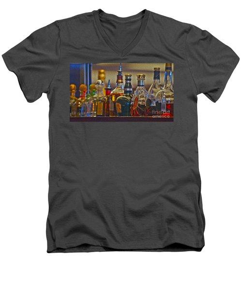 Clubbing Men's V-Neck T-Shirt