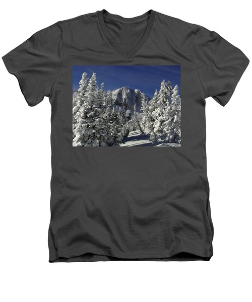 Cody Peak After A Snow Men's V-Neck T-Shirt