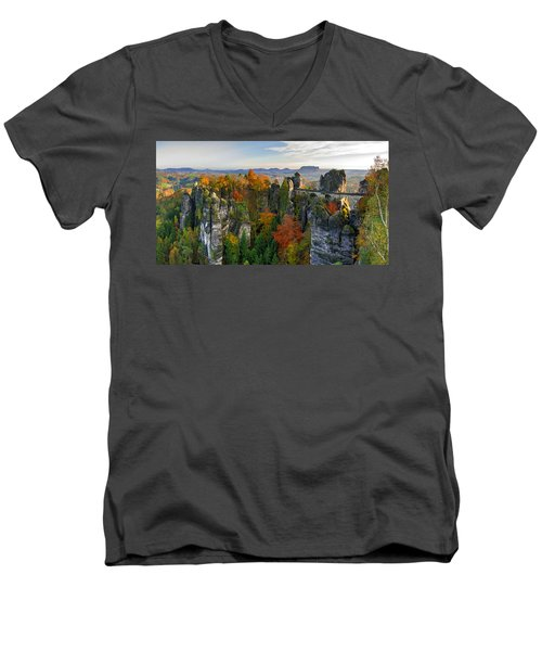 Colorful Bastei Bridge In The Saxon Switzerland Men's V-Neck T-Shirt