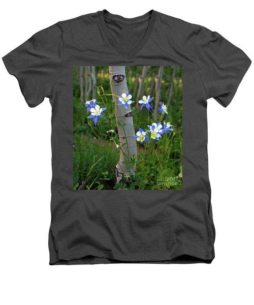 Columbouquet Men's V-Neck T-Shirt