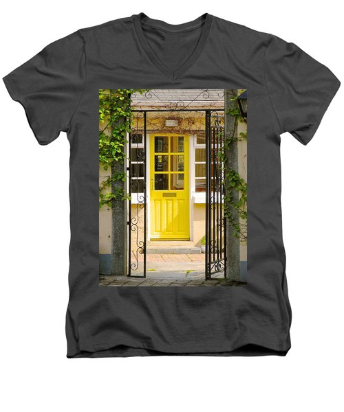 Come On In Men's V-Neck T-Shirt by Suzanne Oesterling