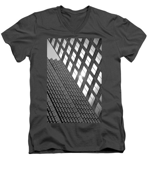 Contrasting Architecture Men's V-Neck T-Shirt