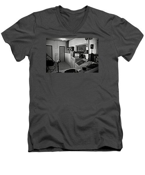 Control Room In Alcatraz Prison Men's V-Neck T-Shirt
