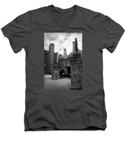 Copper Pot Stills And Column Still At Lockes Distillery Bw Men's V-Neck T-Shirt