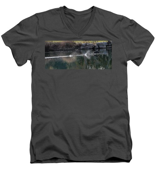 Cormorant Take-off Men's V-Neck T-Shirt