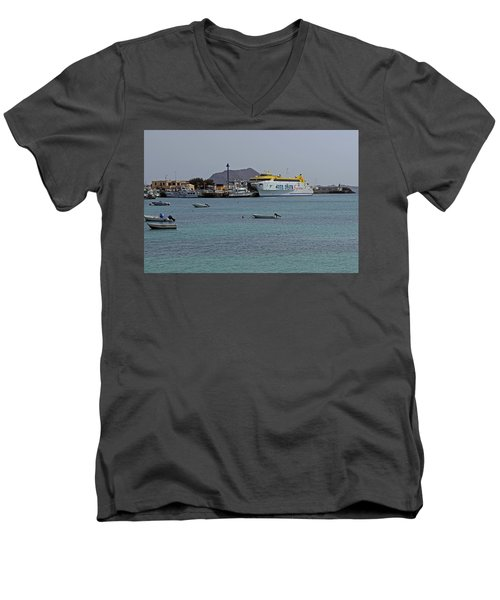 Corralejo Harbour Men's V-Neck T-Shirt