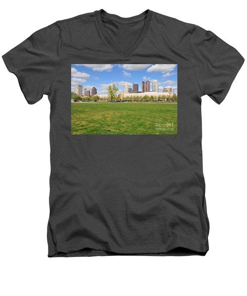 D7l-89 Cosi Columbus Photo Men's V-Neck T-Shirt