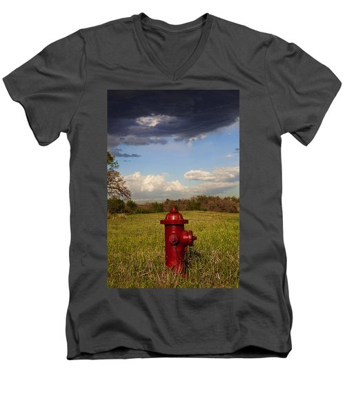 Country Fire Hydrant Men's V-Neck T-Shirt