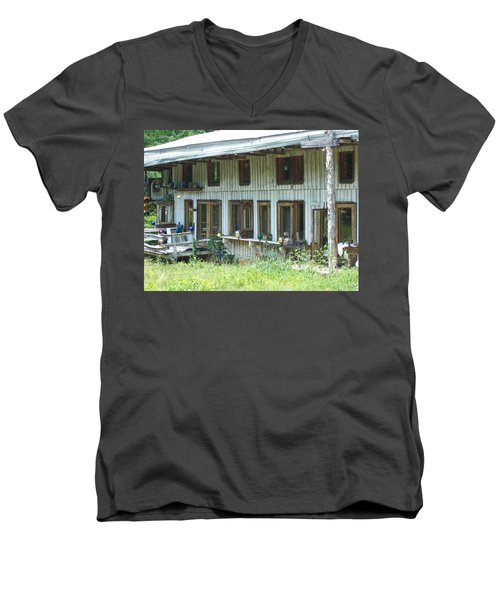 Country Gazing Men's V-Neck T-Shirt
