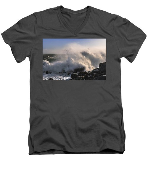 Crashing Surf Men's V-Neck T-Shirt