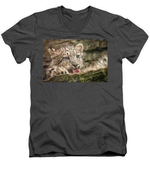 Cub And Tongue Men's V-Neck T-Shirt