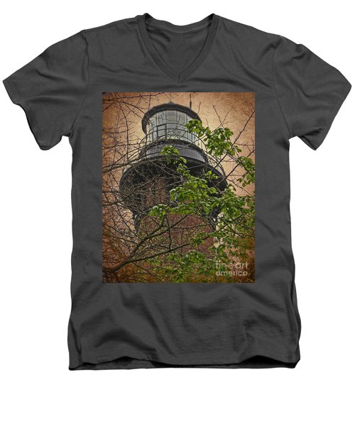 Currituck Light House Men's V-Neck T-Shirt