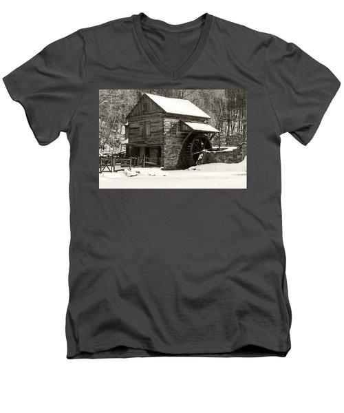 Cuttalossa In Winter Iv Men's V-Neck T-Shirt