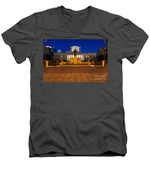 D13l112 Ohio Statehouse Photo Men's V-Neck T-Shirt