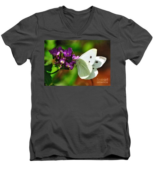 Dainty Butterfly Men's V-Neck T-Shirt