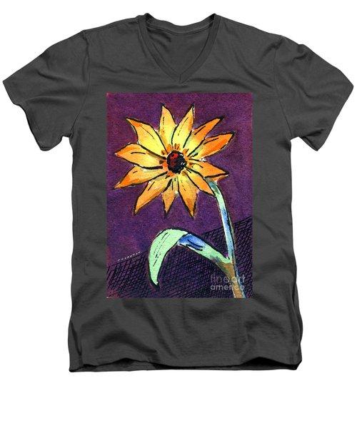 Daisy On Dark Background Men's V-Neck T-Shirt