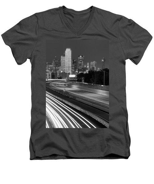 Dallas Arrival Bw Men's V-Neck T-Shirt