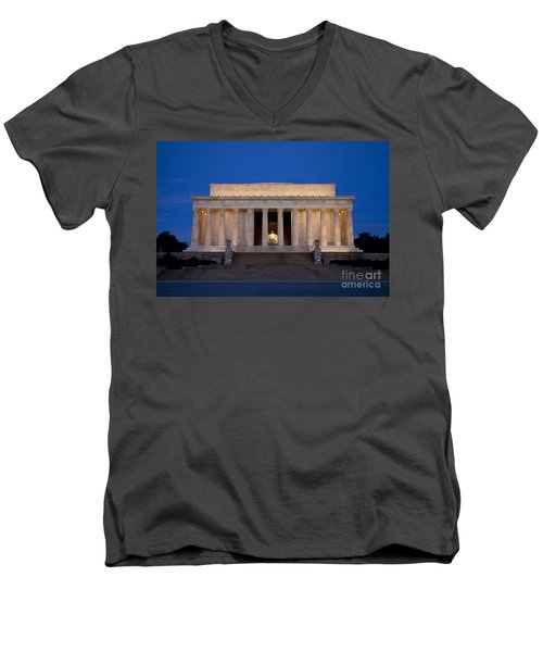 Dawn At Lincoln Memorial Men's V-Neck T-Shirt