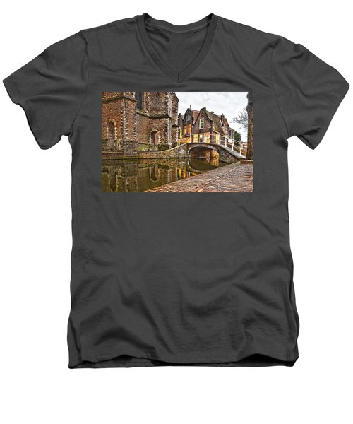 Delft Behind The Church Men's V-Neck T-Shirt