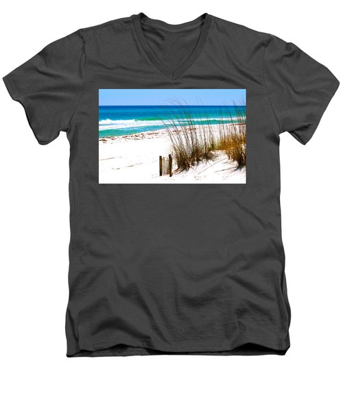 Destin, Florida Men's V-Neck T-Shirt