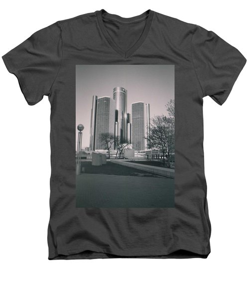Detroit2 Men's V-Neck T-Shirt