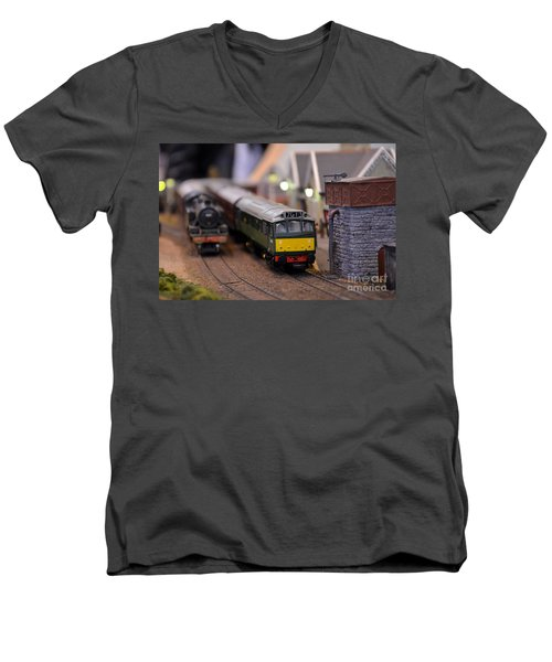 Diesel Electric Model Train Railway Engine Men's V-Neck T-Shirt