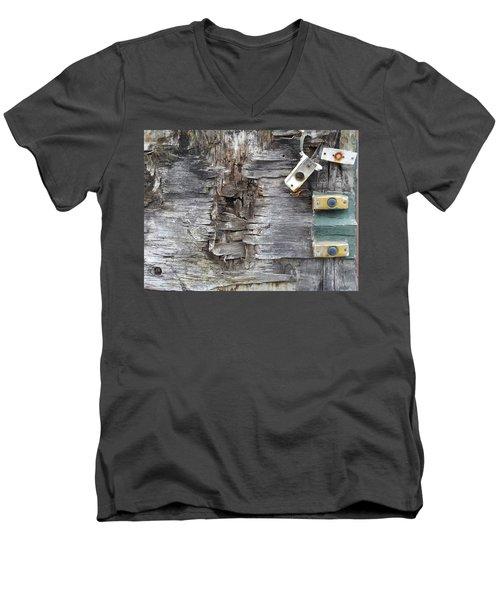 Doorbells Men's V-Neck T-Shirt