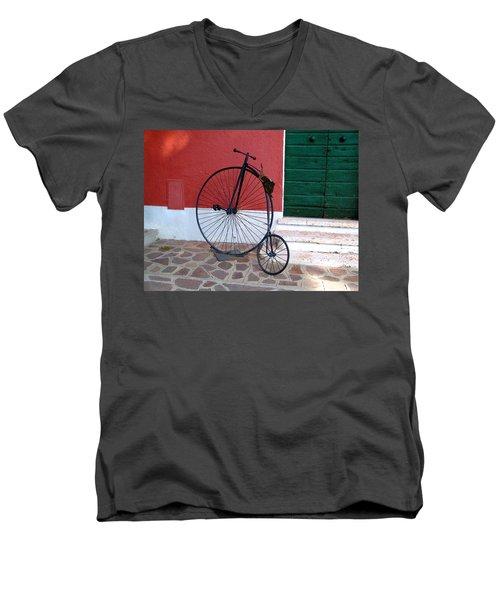 Draisina Men's V-Neck T-Shirt