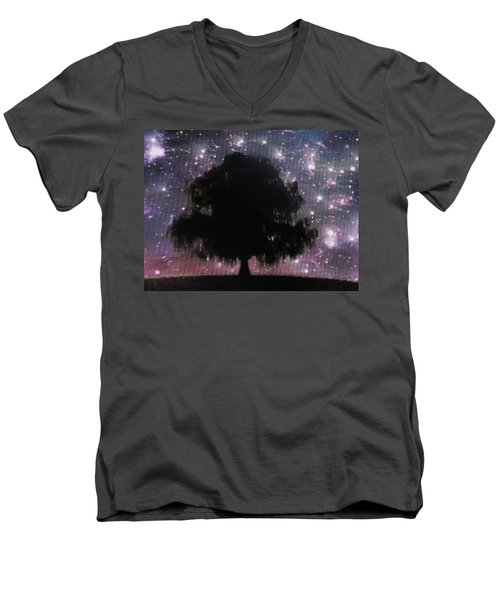 Dreaming Tree Men's V-Neck T-Shirt