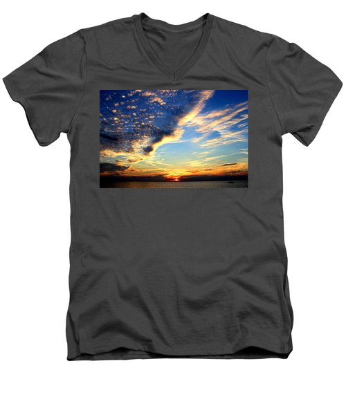 Dreamy Men's V-Neck T-Shirt