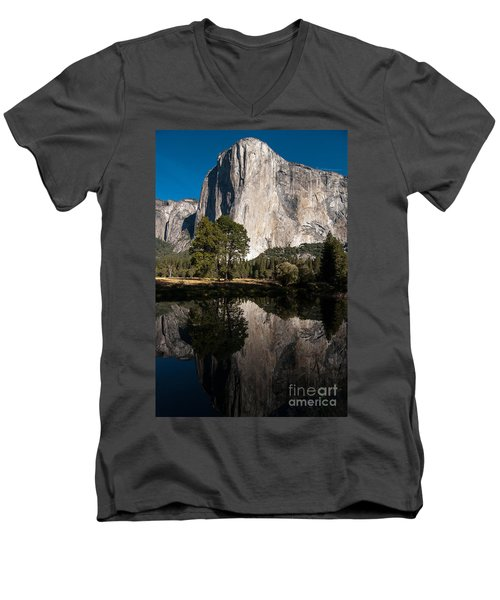 El Capitan In Yosemite 2 Men's V-Neck T-Shirt