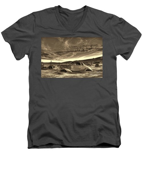 End Of The Road Men's V-Neck T-Shirt