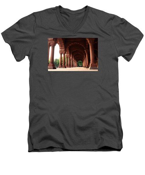 Engrailed Arches Red Fort - New Delhi Men's V-Neck T-Shirt