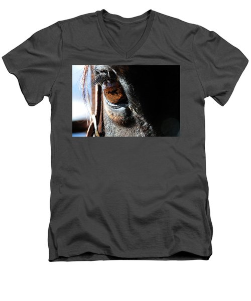 Eyeball Reflection Men's V-Neck T-Shirt