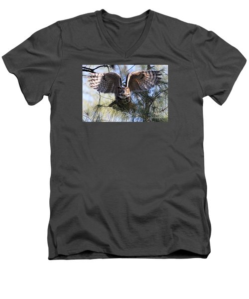 Flying Blind - Great Horned Owl Men's V-Neck T-Shirt