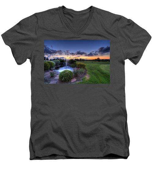 Salem Ohio Golf Men's V-Neck T-Shirt