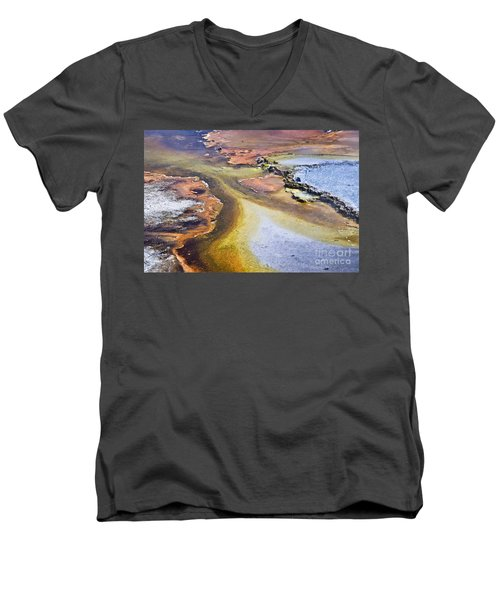 Fountain Paint Pot Men's V-Neck T-Shirt