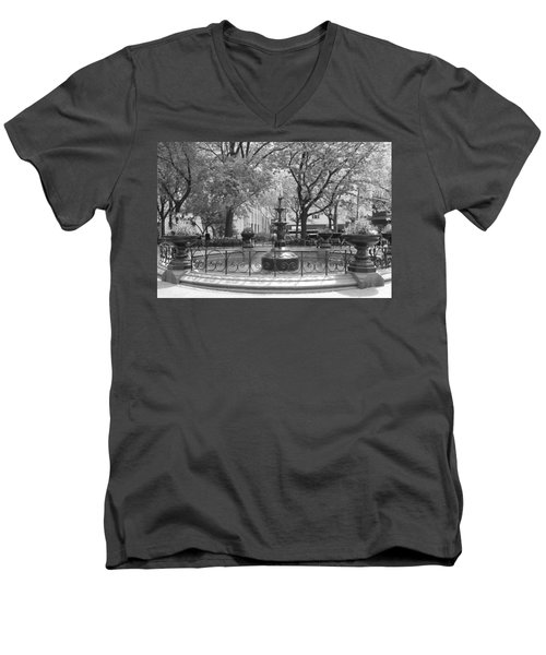 Fountain Time Men's V-Neck T-Shirt