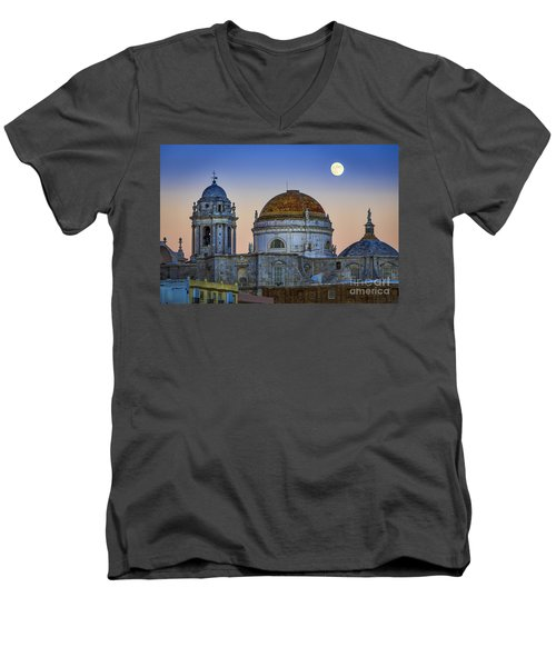 Full Moon Rising Over The Cathedral Cadiz Spain Men's V-Neck T-Shirt
